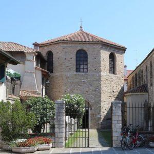 Kirche Tor